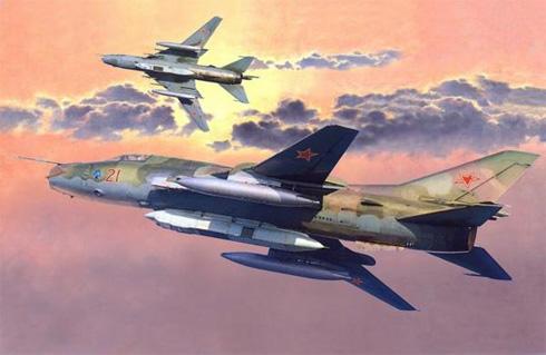 Dos Sukhoi Su-17 Fitter de las Fuerzas Aéreas Soviéticas en vuelo de reconocimiento.