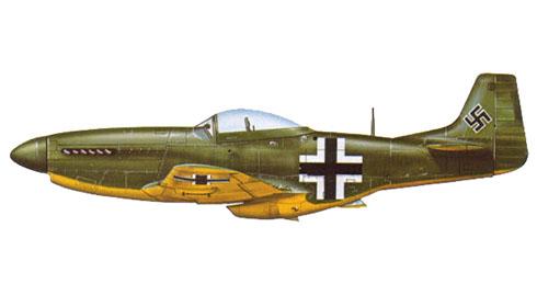 North American P-51 Mustang D, capturado y pintado por la Luftwaffe, finales de 1944.