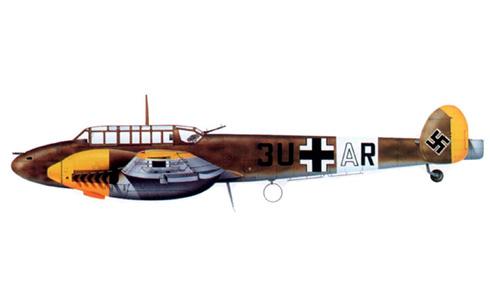 Bf 110E del Oblt. Georcj Christl, StKap de la 77ZG 26,Tarento, Italia, abril de 1941.