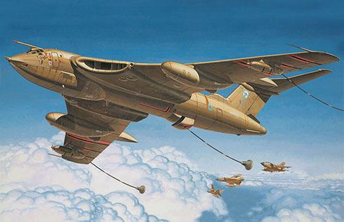 Un Handley Page Victor K Mk2 de la RAF abasteciendo a unos Panavia Tornado, Golfo Pérsico, 1990.